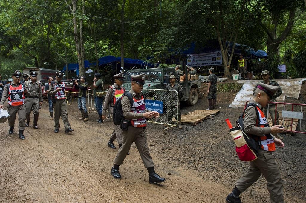Hujan Deras Persulit Penyelamatan 13 Orang dari Gua Thailand