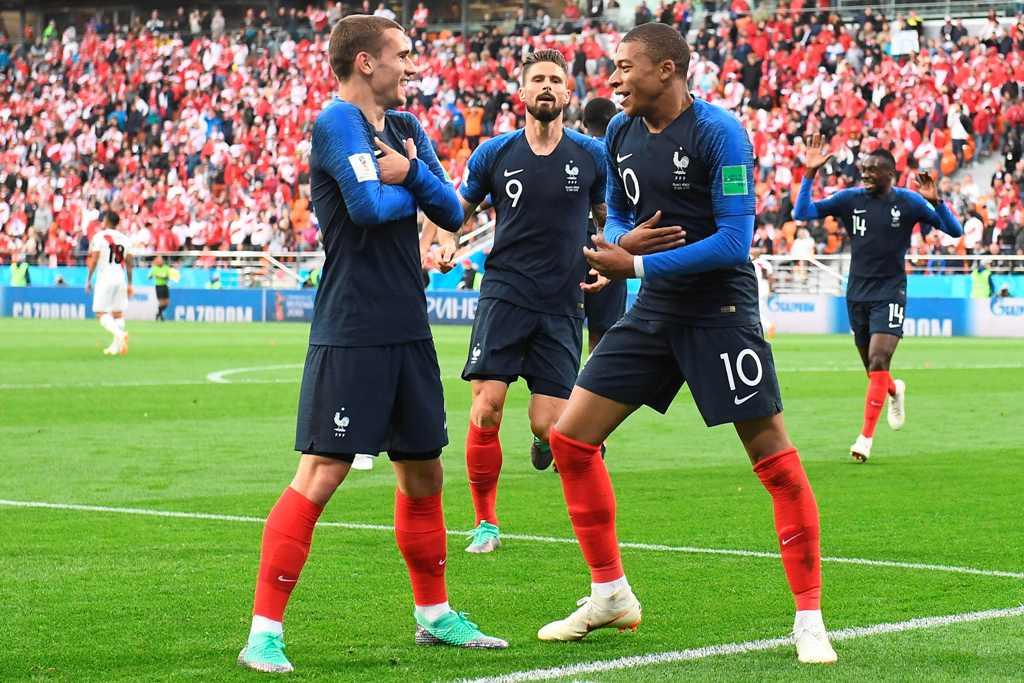 Bek Uruguay Kantongi Kekuatan Prancis