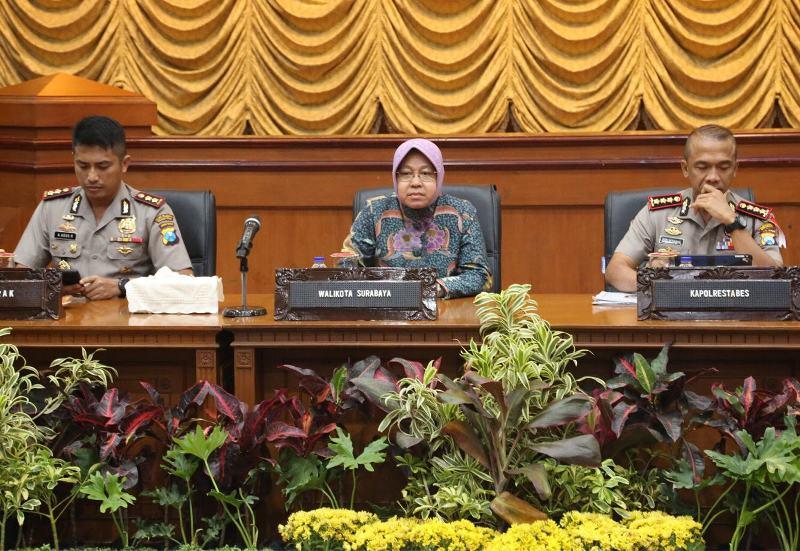 Risma Rapat Tiga Pilar Cegah Terorisme