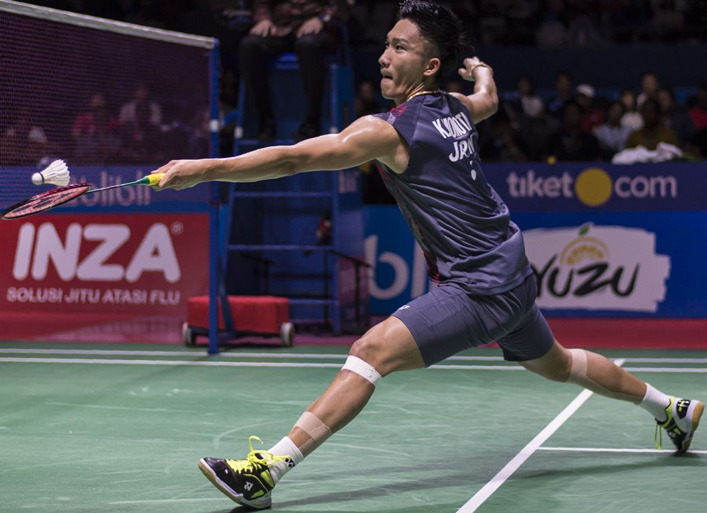 Menang Mudah atas Axelsen, Kento Momota Juara Indonesia Open