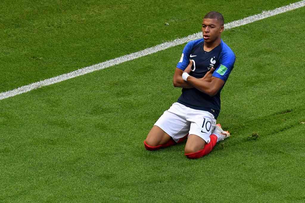 Hazard: Mbappe Layak Dapat Ballon d'Or