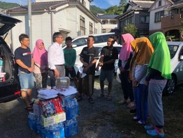 KJRI Osaka Salurkan Bantuan untuk WNI Terdampak Banjir