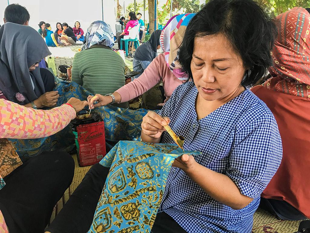 UKDW Yogyakarta Beri Pelatihan Batik Tulis Pewarna Alam