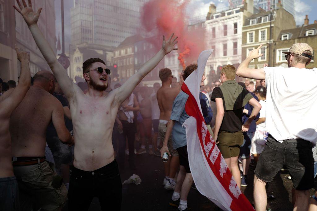 Polisi Minta Suporter Inggris Bersikap Santun