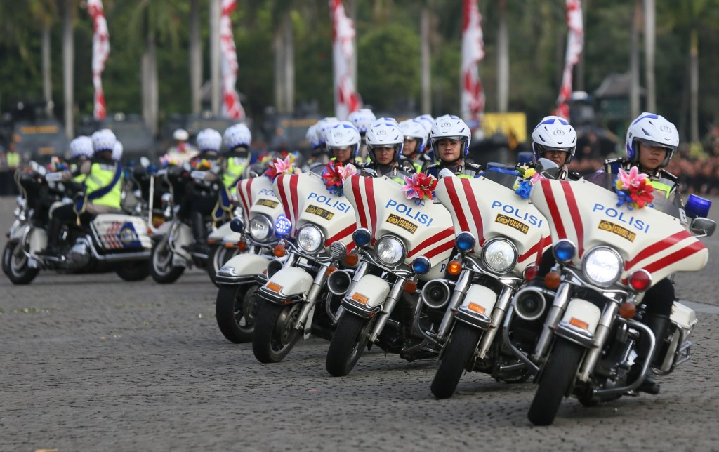 Jokowi Instructs Police to Eradicate Corruption