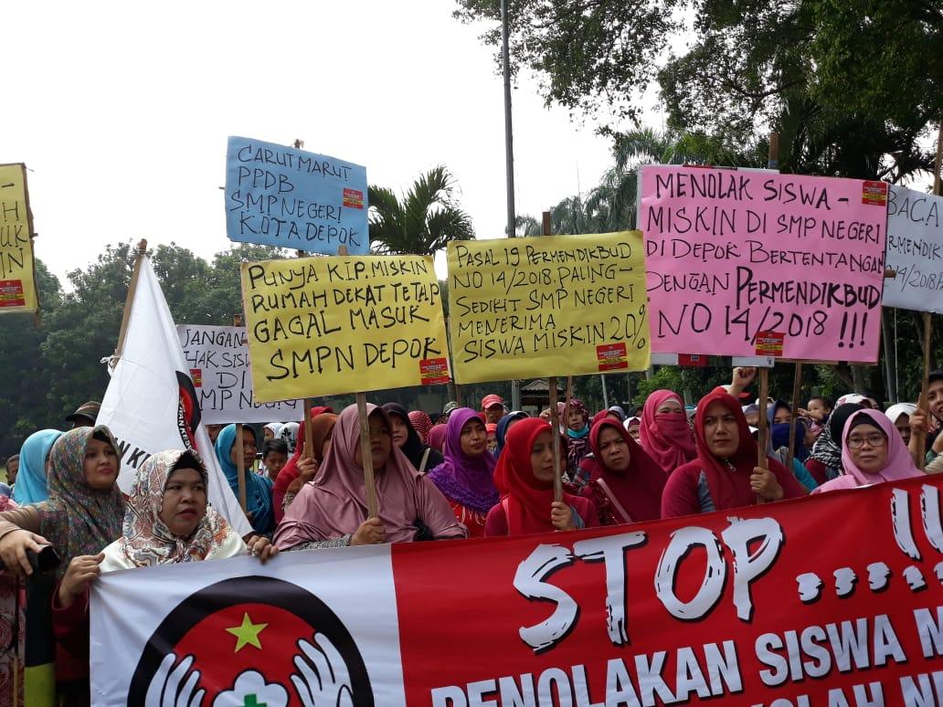 Pengguna SKTM di Depok tak Lolos PPDB, Orang Tua Demo