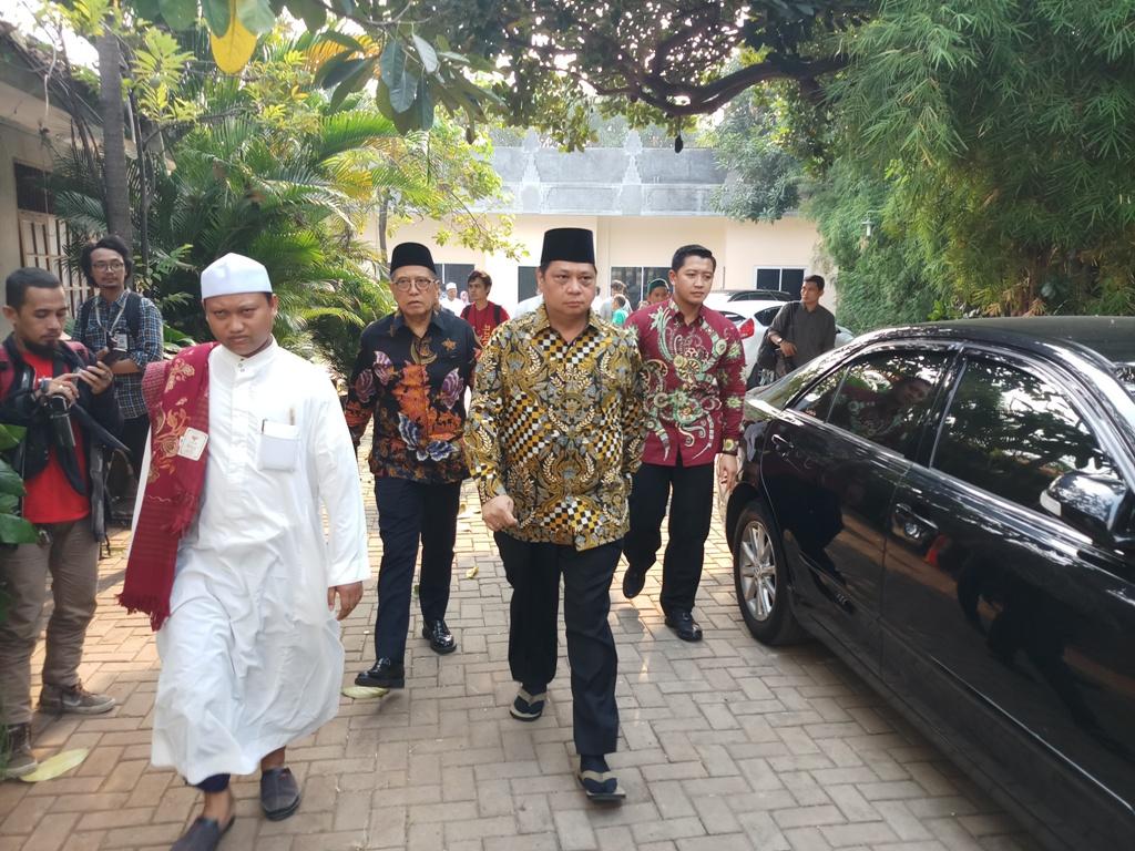 Airlangga Ajak SBY Dukung Jokowi