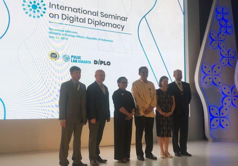 Teknologi dan Sosial Media jadi Aset Diplomasi