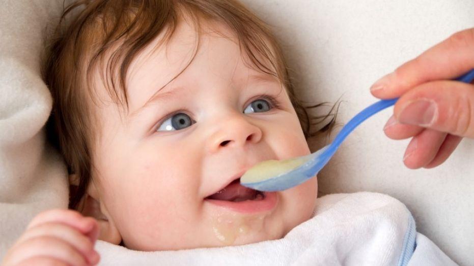 Makanan Padat Bikin Kualitas Tidur Bayi Lebih Baik