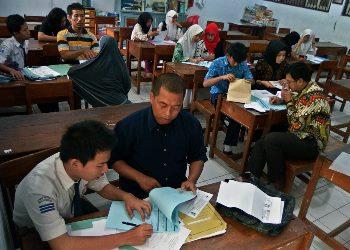 Siswa Miskin Diminta Tanda Tangan Surat Pernyataan Siap Dikeluarkan