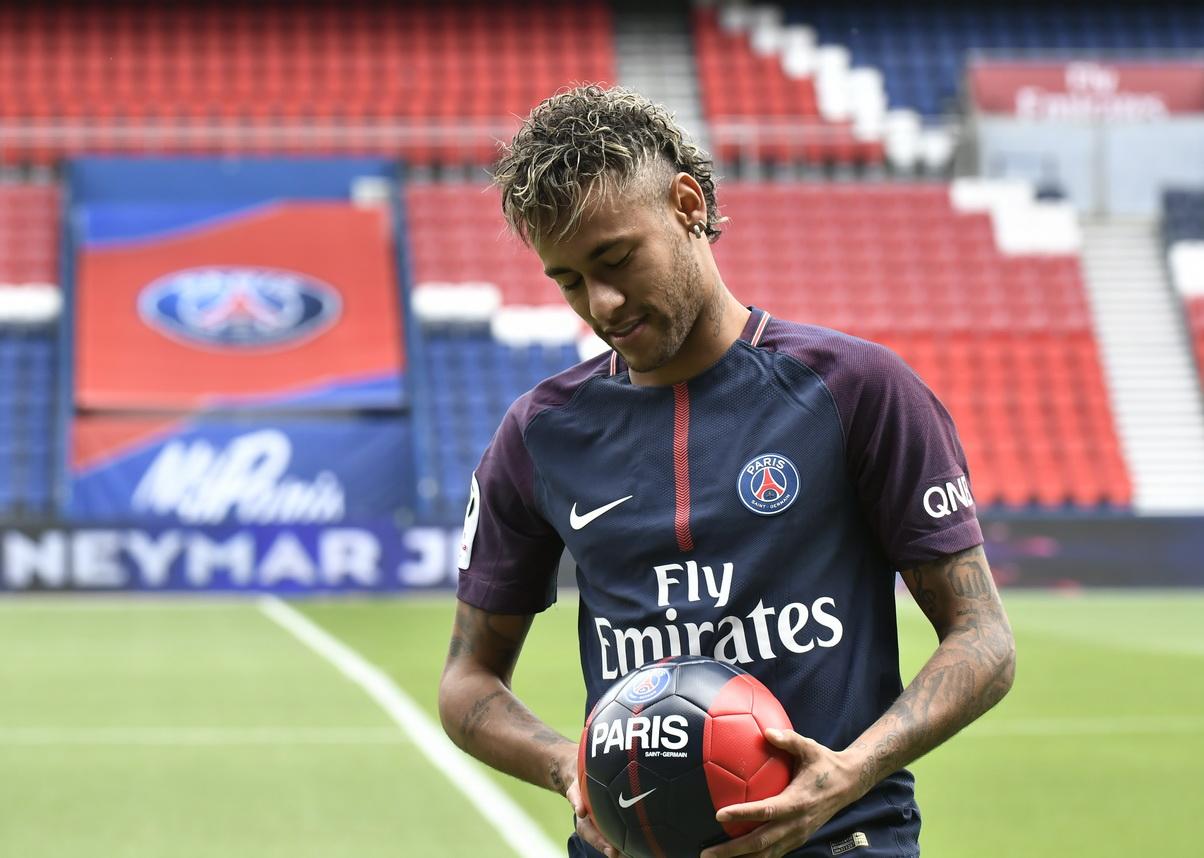 Untuk Kali Kedua, Madrid Bantah Kejar Neymar