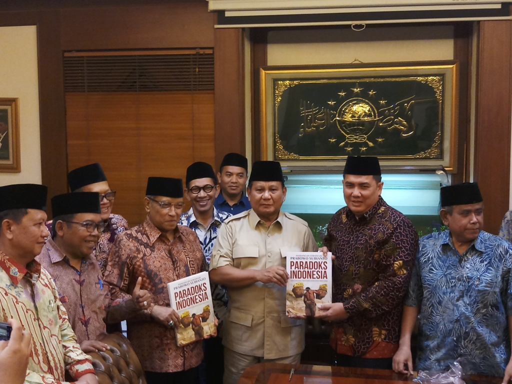 Prabowo Consult NU Leader over Potential Running Mate Candidates