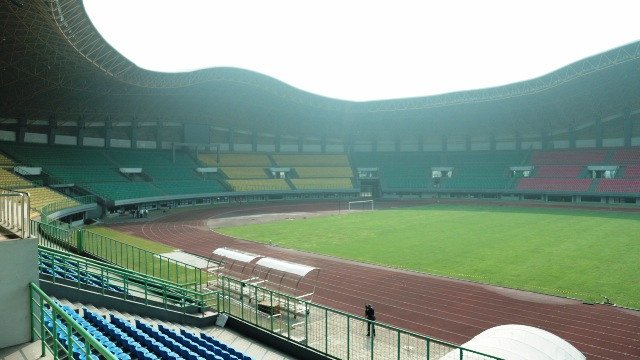 Rumput Stadion Patriot Akhirnya Ditambal Sulam