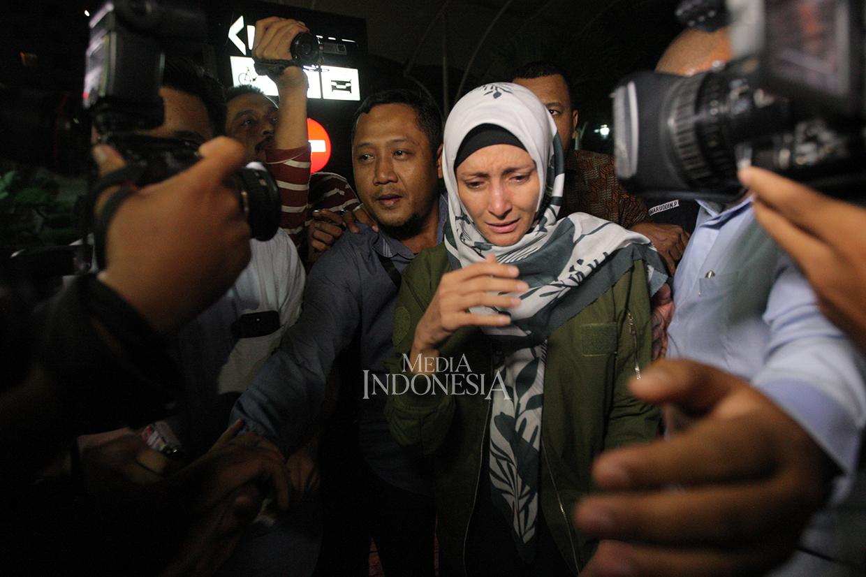 Inneke Bungkam Usai Diperiksa KPK