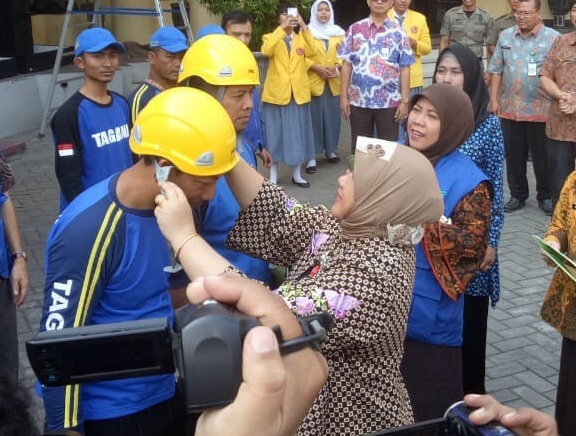 Dinsos Jatim Kirim Tim Tagana dan Mobil Dapur ke Lombok