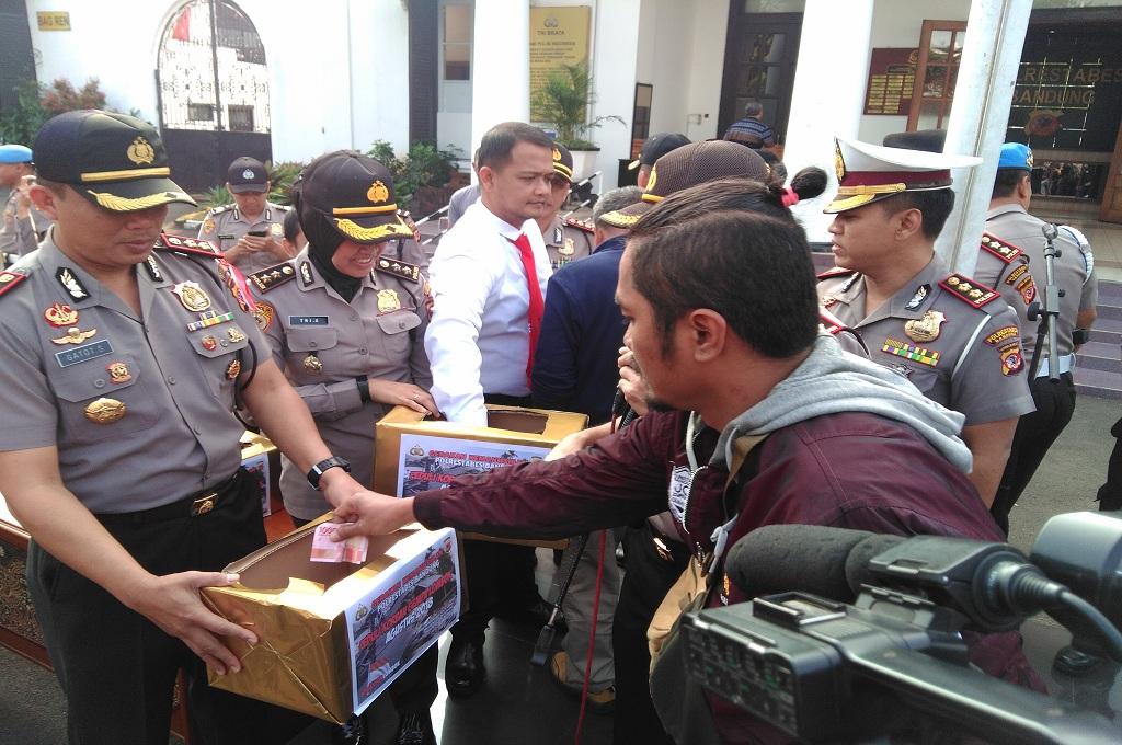 Polisi Galang Dana dari Pemohon SIM untuk Korban Gempa