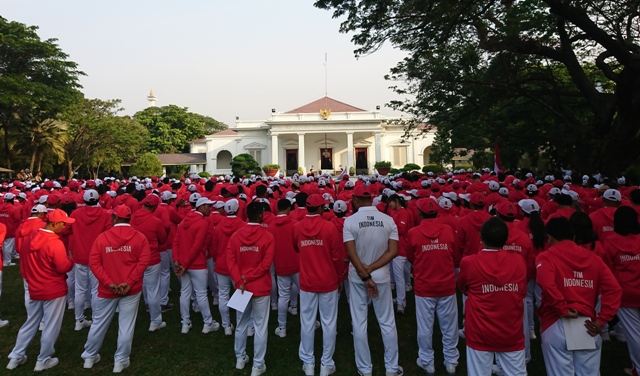 Jokowi Receives Indonesian Contingent for 2018 Asian Games
