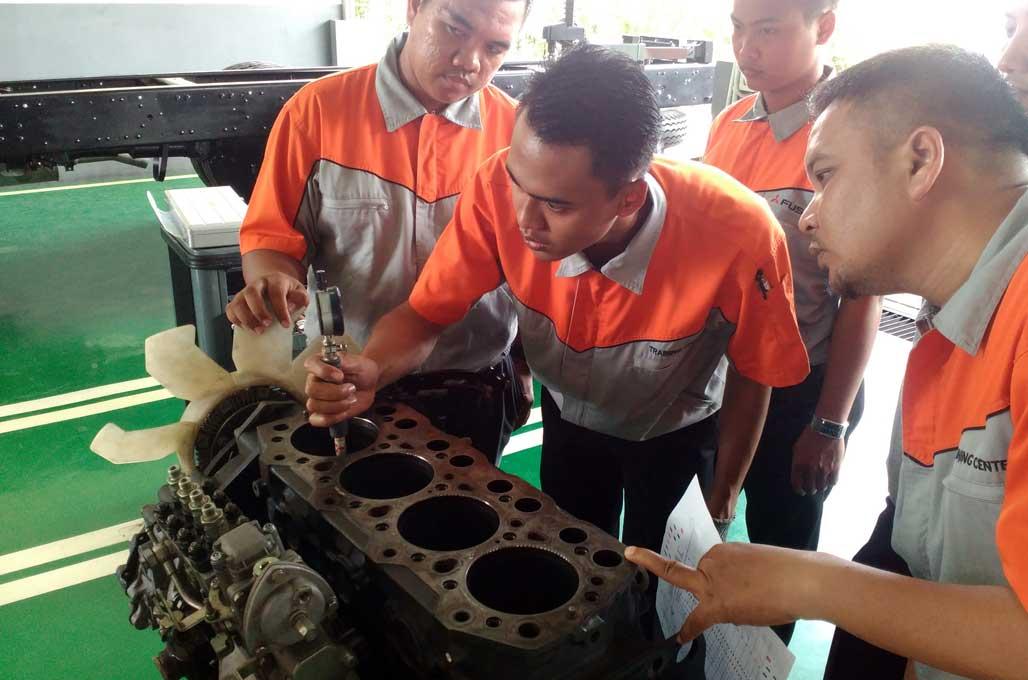 Jebolan SMK Binaan Pabrikan Cara Gampang Rekrut Teknisi?