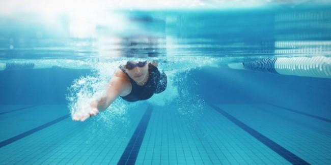 Benarkah Berenang Dapat Menularkan HIV?