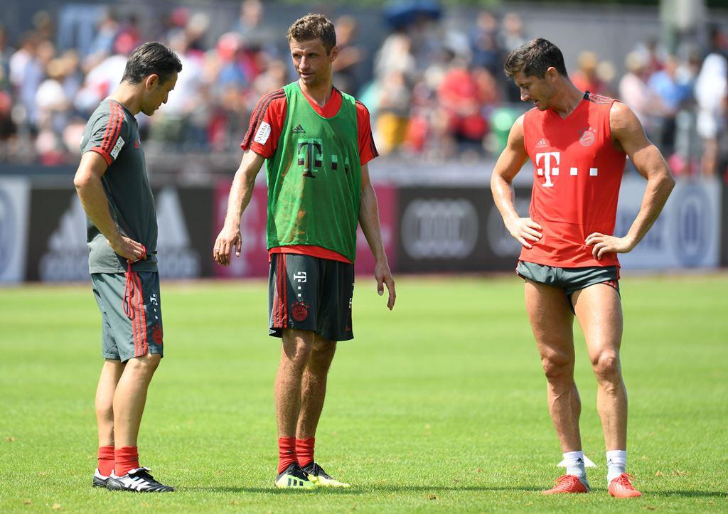 Bayern Muenchen Bantai Tim Amatir 20-2!
