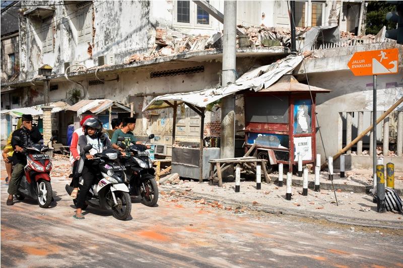 Satu Orang Meninggal Tertimpa Kanopi di Lombok
