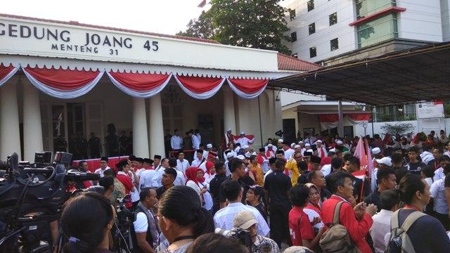 Massa Pendukung Siap Kawal Jokowi-Ma'ruf ke KPU