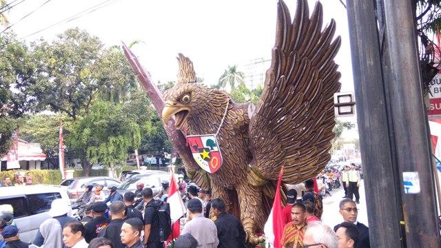 Garuda Raksasa bakal Mengawal Iring-iringan Jokowi-Ma'ruf