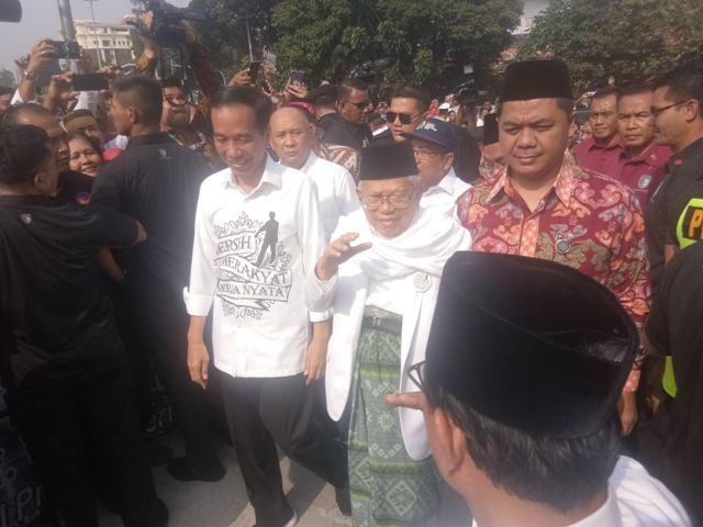 Jokowi-Ma'ruf Disambut Selawat di Gedong Joang