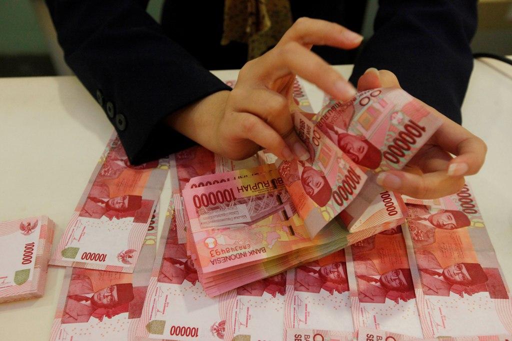 Rupiah Pagi Akhir Pekan Tertekan ke Rp14.439/USD