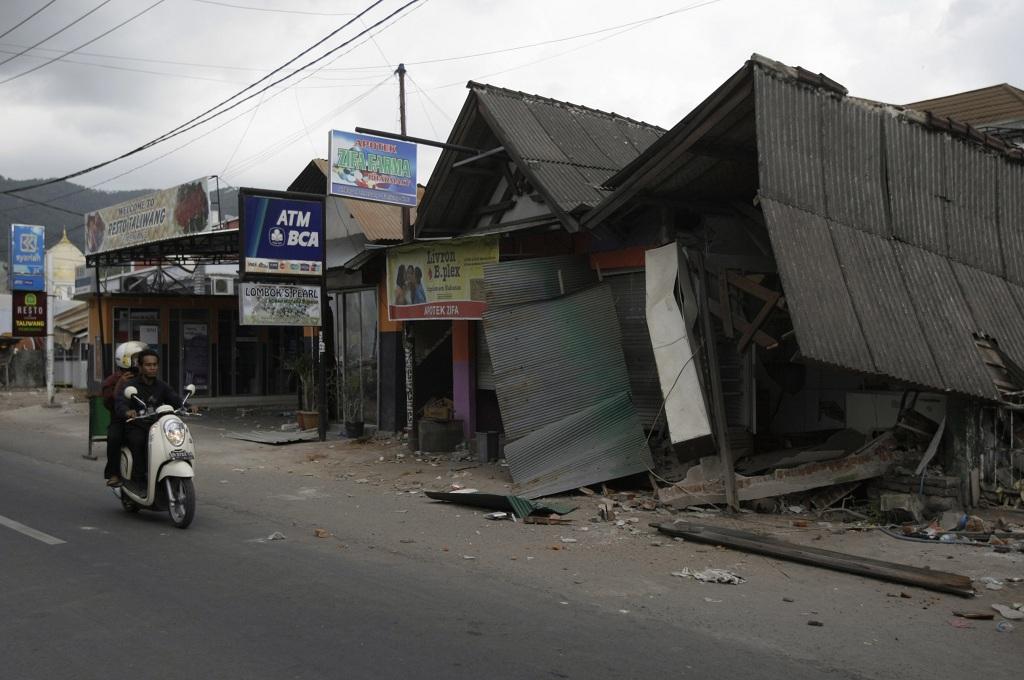 Dua Warga di Mataram Tewas setelah Gempa 6,2 SR