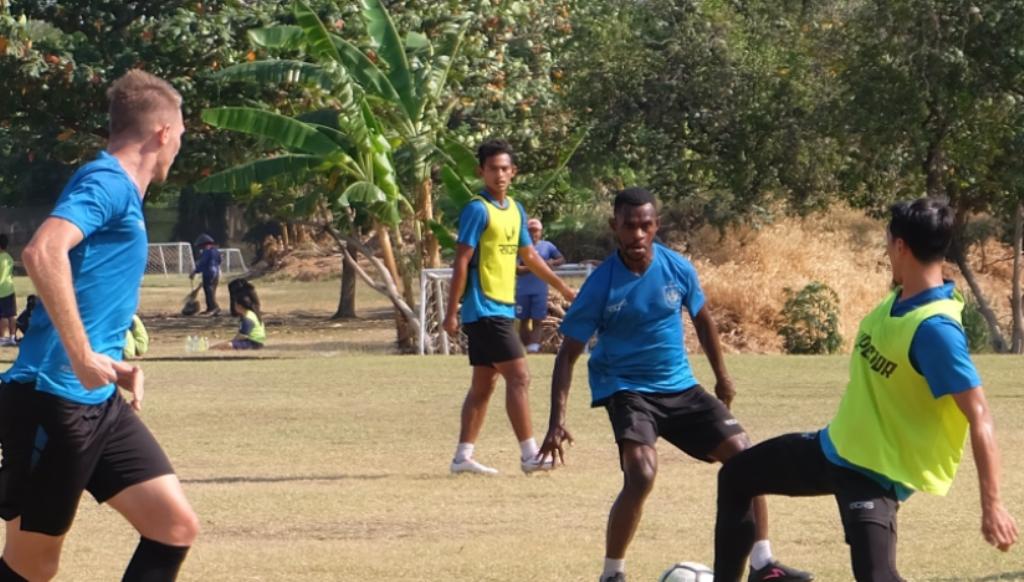 Melawan Bhayangkara FC, Kiper Utama PSIS Absen