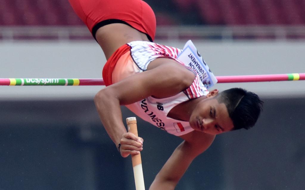 Atlet Lompat Galah Idan Fauzan Siap 90%