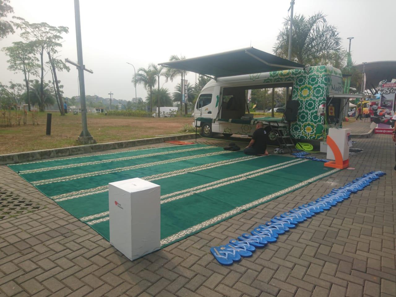 Mobile Masjid, Solusi Tempat Solat di Tengah Acara