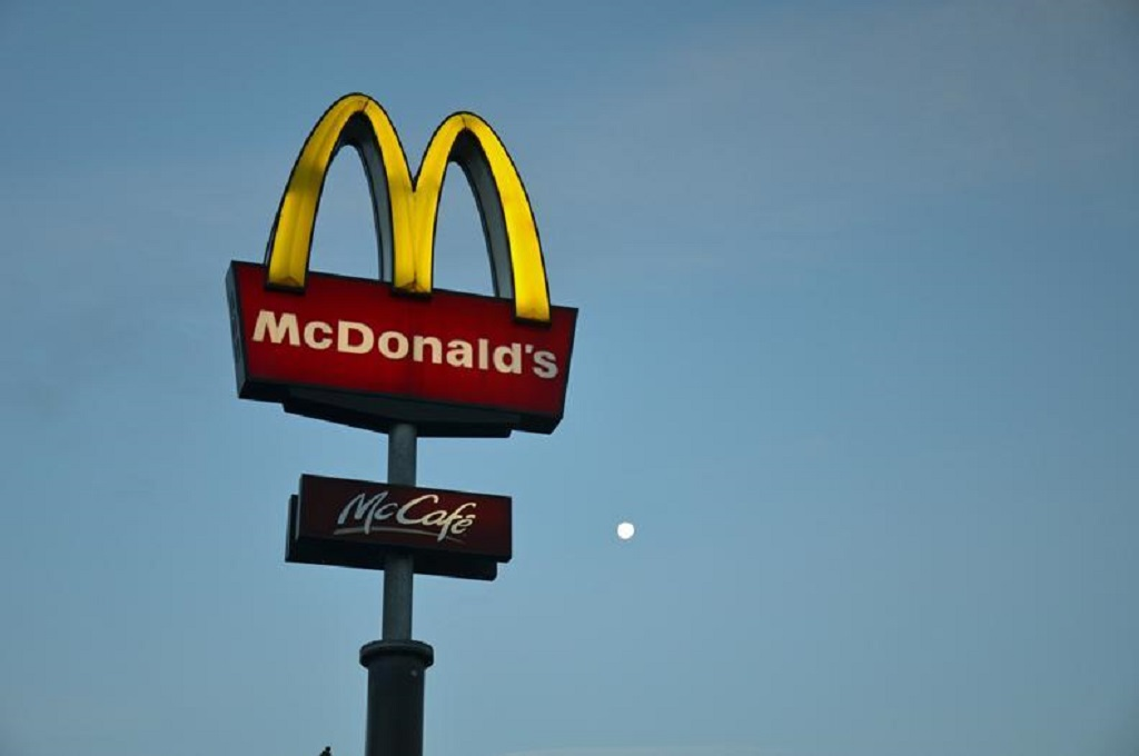 Jumlah Kasus Keracunan Salad McDonald's di AS Bertambah
