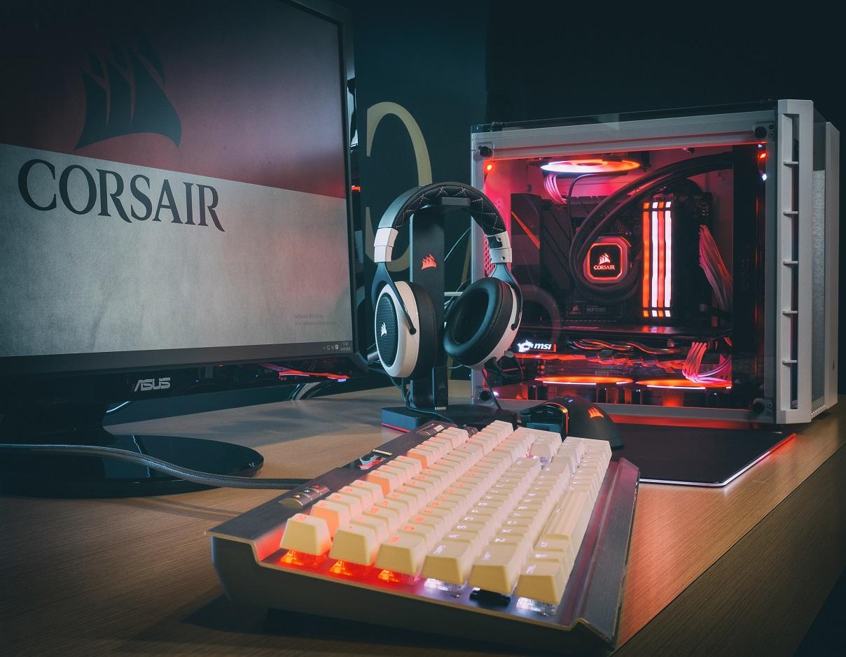 Modifikasi PC Bertema Merah Putih dari Corsair