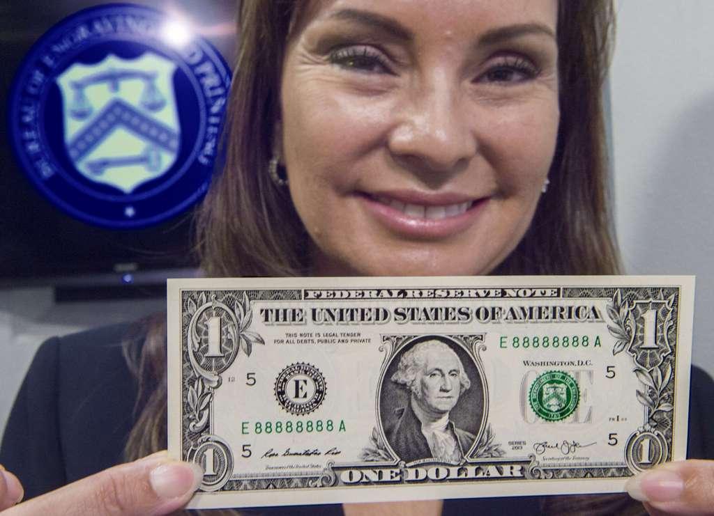 Dolar Tertekan terhadap Mata Uang Utama Dunia