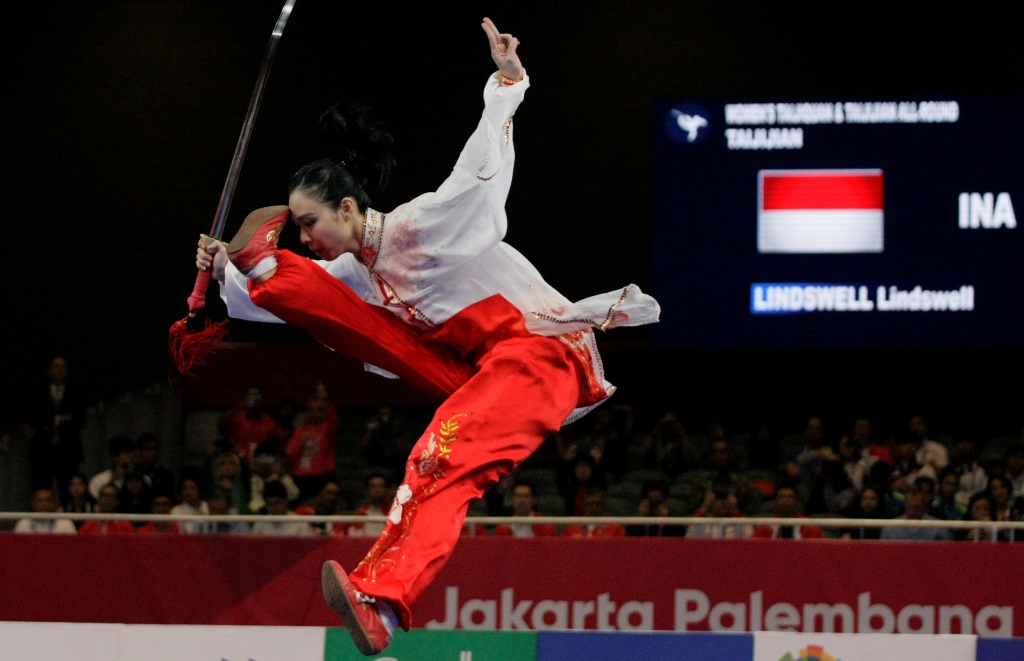 Lindswell Kwok Wins Indonesia's Second Gold Medal