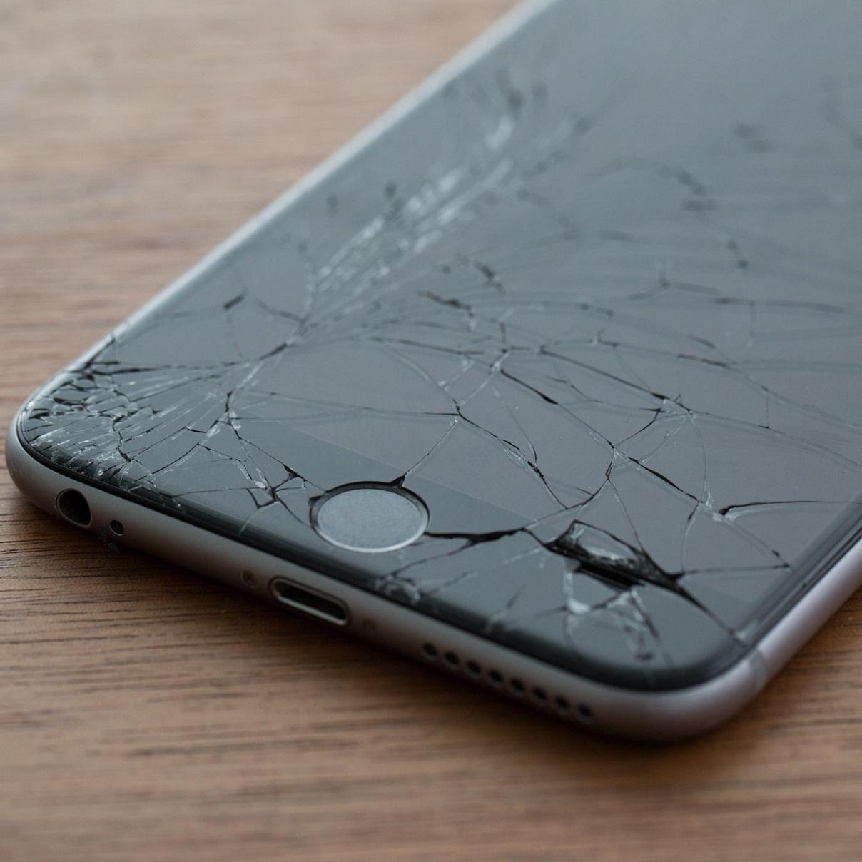 Protes Terhadap AS, Warga Turki Hancurkan iPhone