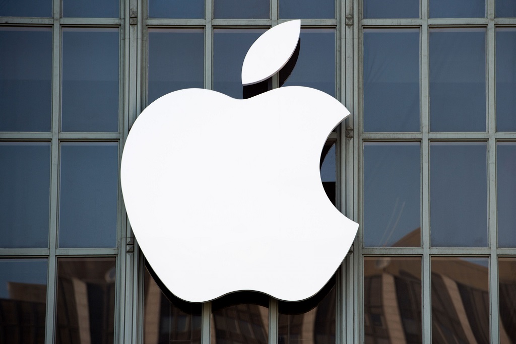 Demi Hindari Cukai, Trump Dorong Apple Bangun Pabrik di AS