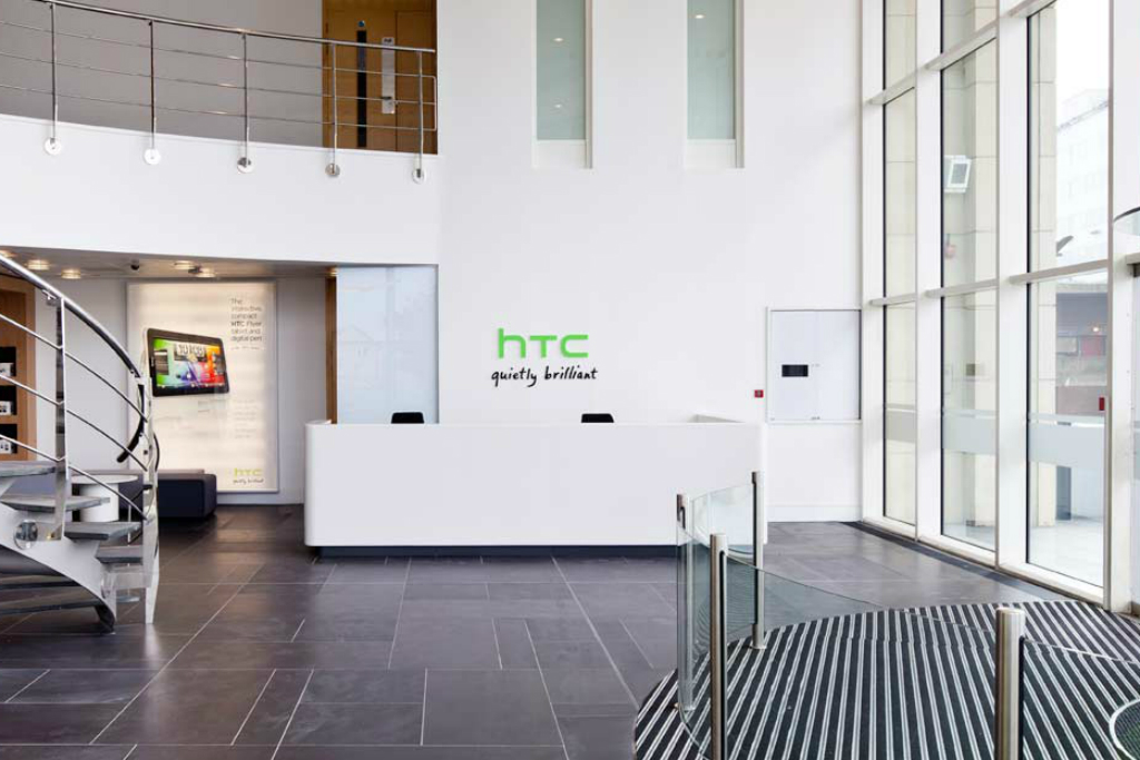 Pendapatan HTC Terus Turun