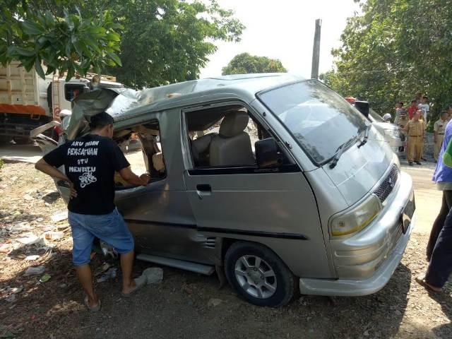 Angkot yang Tertimpa Truk di Bogor Hendak Jemput Santri