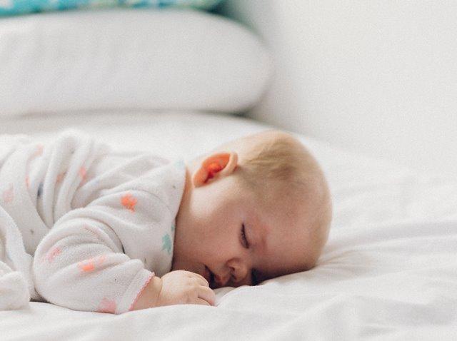 Apakah Detergen Khusus Benar-benar Diperlukan untuk Perlengkapan Bayi?