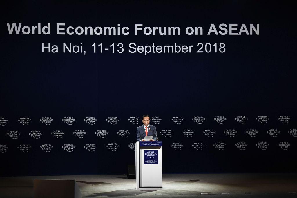 Forum WEF, Jokowi Sebut Ekonomi Global seperti 'Avengers: Infinity War'