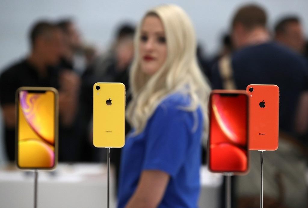 Semua iPhone Kini tak Punya Headphone Jack