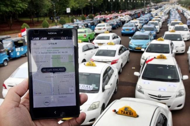 Kemenhub Siapkan Aturan Baru Soal Taksi <i>Online</i>