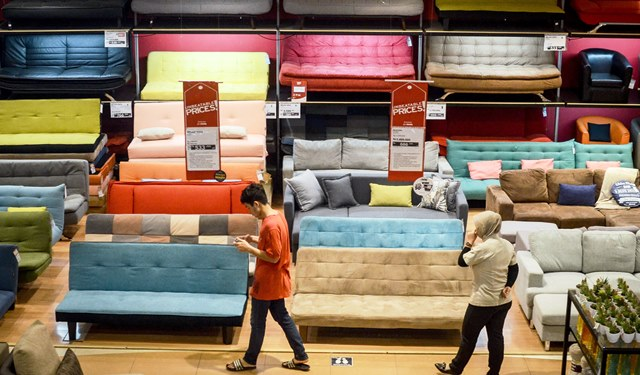 Pajak impor naik, pengusaha furniture tahan harga