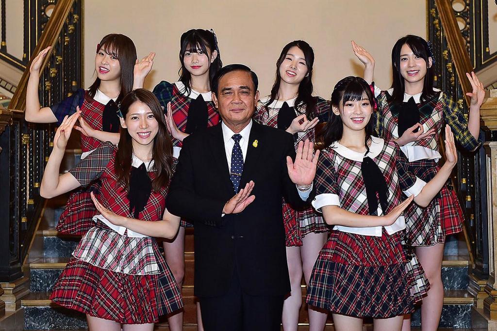 Raih Hati Milenial, PM Thailand Jadi Wota AKB48