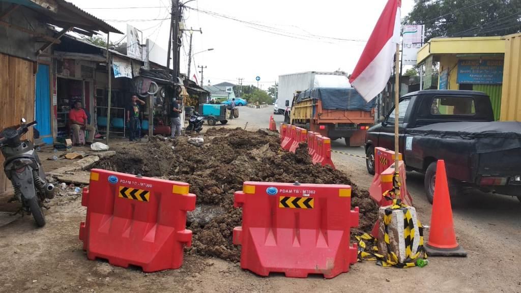 Pipa PDAM di Tangerang Pecah