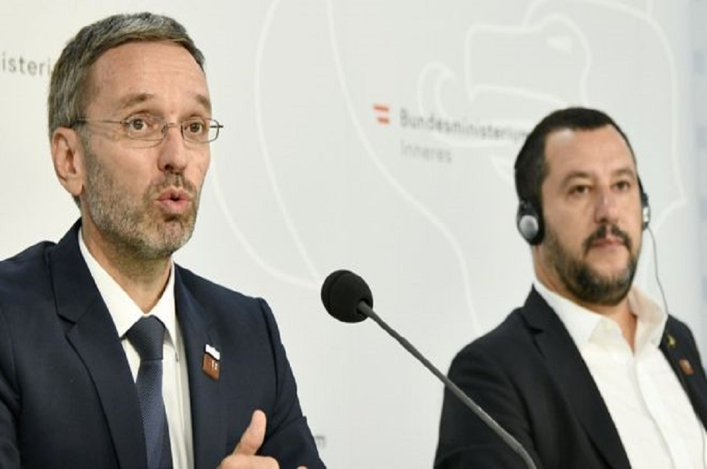 Uni Eropa Diminta Periksa Kelayakan Imigran di Tengah Laut