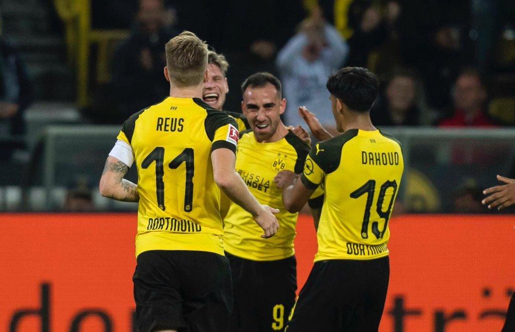 Jalani Debut Bersama Dortmund, Paco Alcacer Langsung Cedera